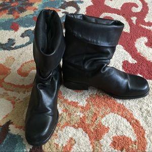 Santana Canada slouchy boots